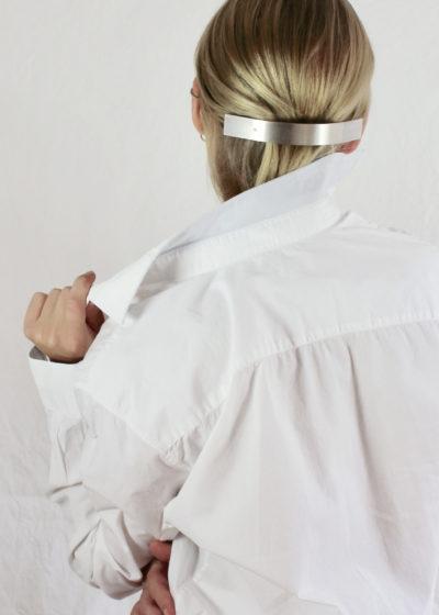 Oversized 'Barrette 077' hair clip by Sylvain Le Hen