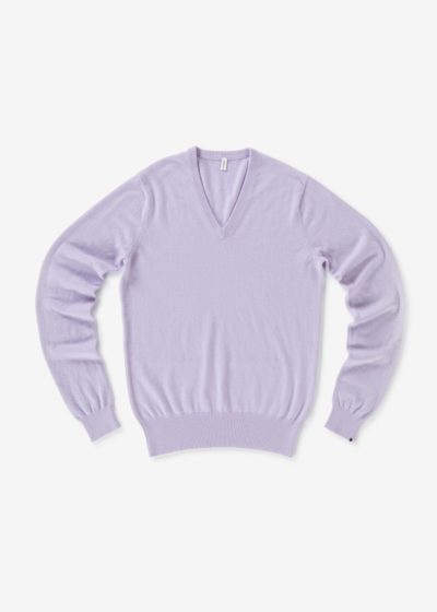 N° 162 'Claim' V-neck sweater by Extreme Cashmere