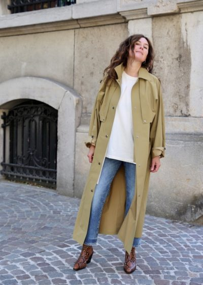 Reversible pop oil cape coat in camel by KASSL editions