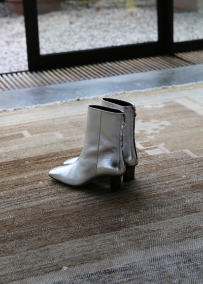 'Tilly' boot in silver by Aeyde