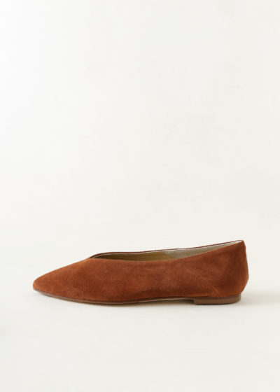 'Moa' chocolate flats by Aeyde