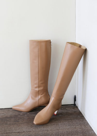 'Sidney' boot (available in 2 colours) by Aeyde