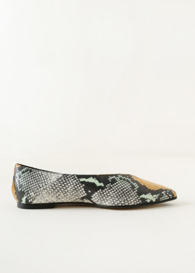 'Moa' multi glow flats by Aeyde