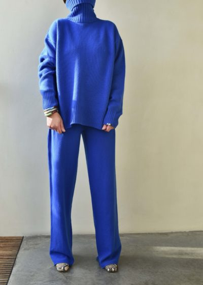 N°20 'Oversize Xtra' jumper (available in 4 colours) by Extreme Cashmere