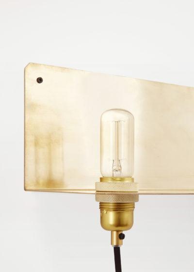 90° wall light in Brass by Frama