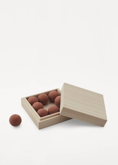 'From soil to form' diffuser - Deep Forest by Frama