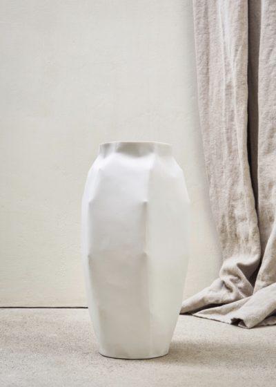 Large porcelain vase by Porzellan Manufaktur Nymphenburg