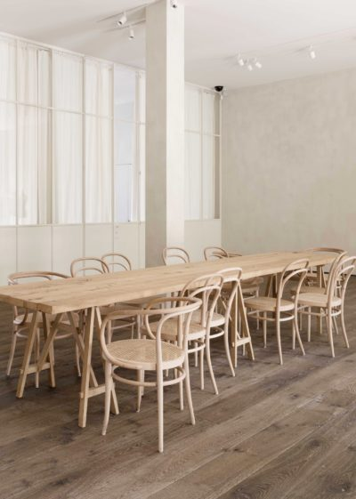 Iconic 214 chair by Thonet