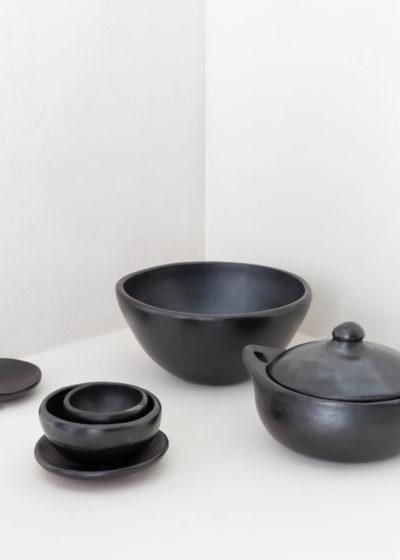 Round casserole by Indigena