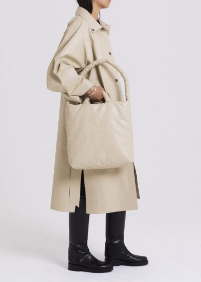 Pillow Bag M in oil sand by KASSL editions