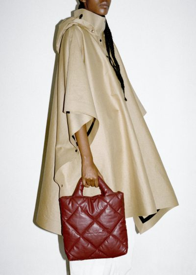 Kassl Editions Hs21 Cape Poncho Trench Beige Bag Pillow Small Quilted Oil Bordeauxkopie