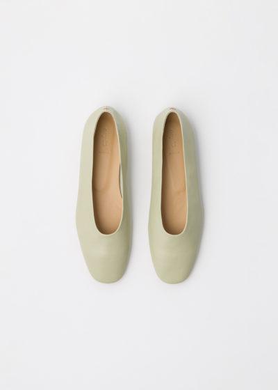 'Kirsten' pistachio flats by Aeyde