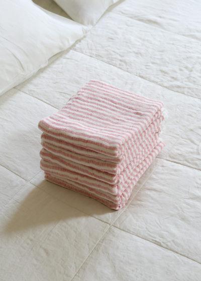 Sara towel by Kenkawai