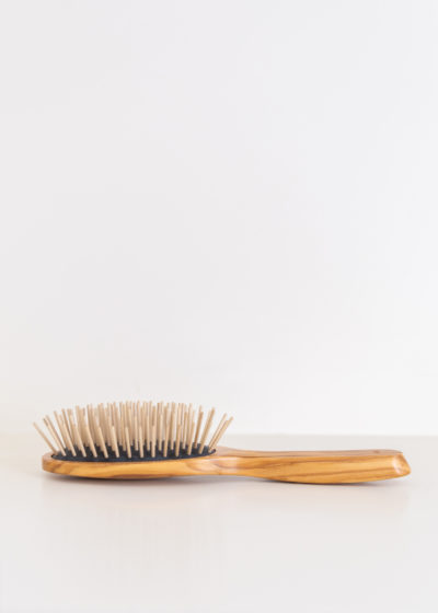 Hairbrush for dry scalp by Less