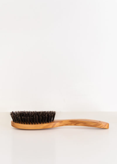 Hairbrush for oily scalp by Less