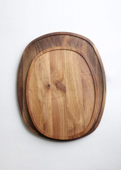 Ovale 'Aperitivo' tray (oiled walnut) by Michaël Verheyden