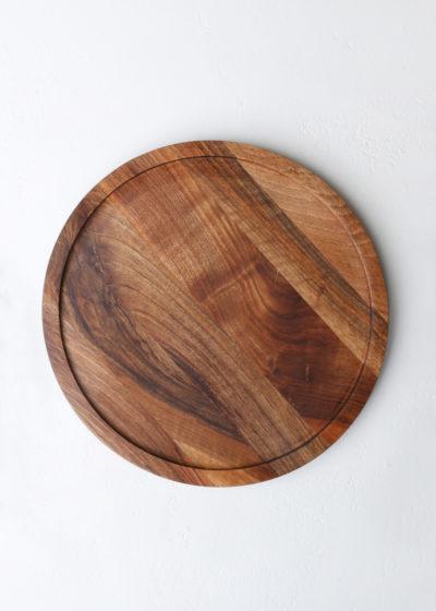Round 'Aperitivo' tray (oiled walnut) by Michaël Verheyden