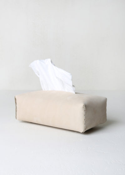 'Niez' leather tissue box (available in 5 colours) by Michaël Verheyden