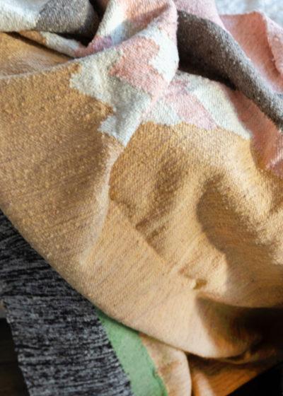 Large wool 'Objeto #2' carpet by Que Onda Vos