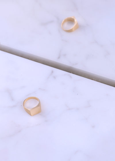 Gold square ring by Shihara