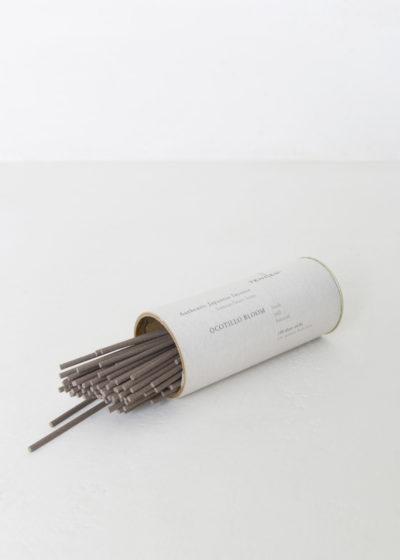 Short incense sticks