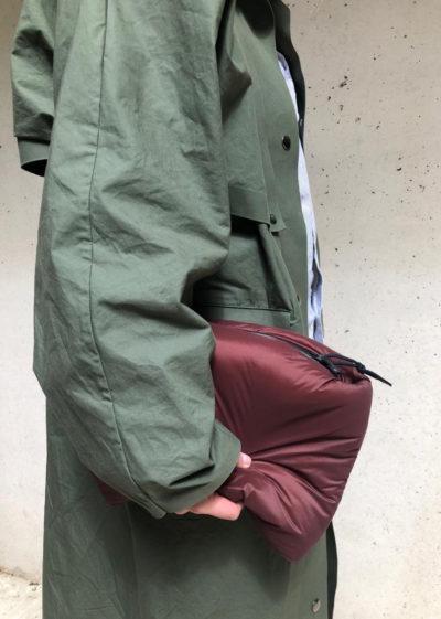 Puffy clutch L in burgundy by KASSL editions