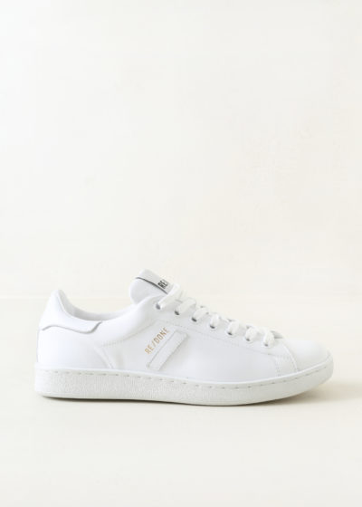 White tennis shoe by Re/done