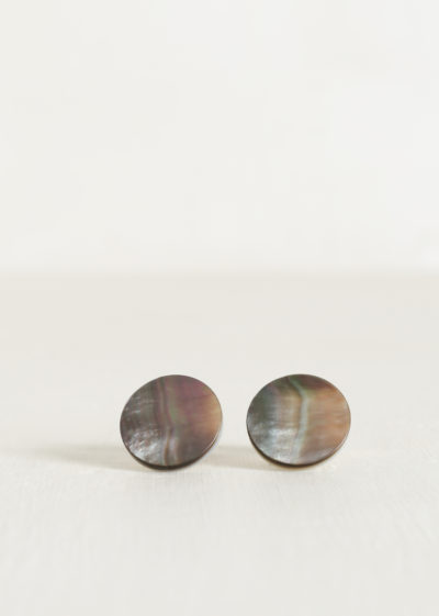 Evening cabochon mother of pearl by Samuel Gassmann