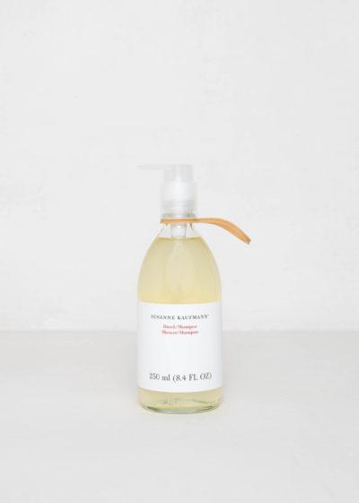 Shower/Shampoo by Susanne Kaufmann